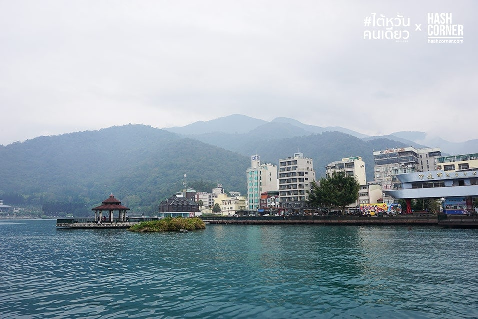 alone-in-taiwan-sun-moon-lake-08